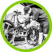 Andrew Setchfield mountain bike servicing